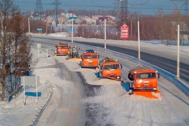 «Росавтодор» из-за снегопада взял дороги Новгородской области под особый контроль
