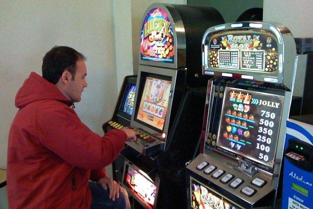 ВИркутске обнаружили игорный клуб срулеткой иавтоматами