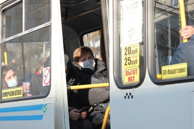 Некоторые пассажиры были недовольны, что их снимают фото- и видеокамеры