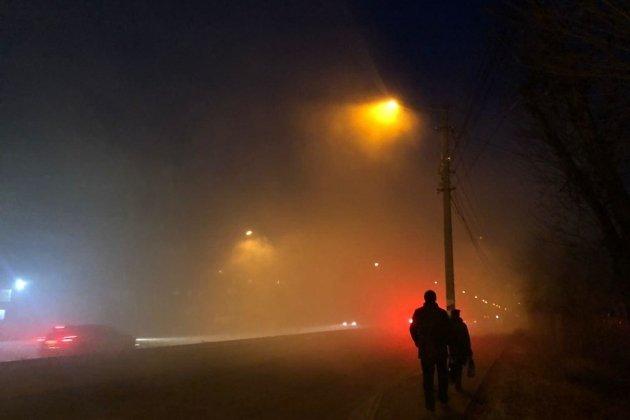 Смог в 1-м микрорайоне вечером 3 ноября.