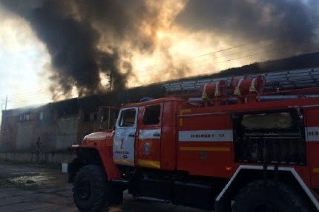 Пожар на территории речного порта на Сурнова