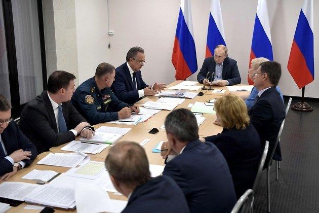 Совещание о ликвидации последствий наводнения в Иркутской области 19 июля с участием президента