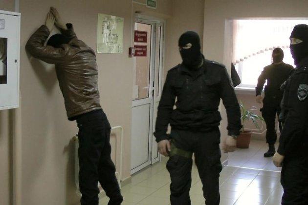 Милиция задержала группу цыган вБратске поподозрению вторговле героином