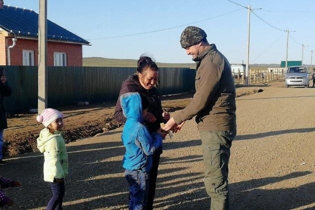 Погорельцы в Тасырхое получили ключи от новых домов