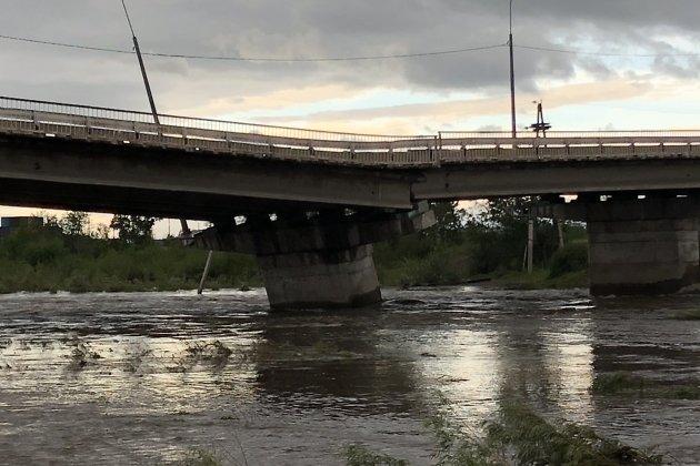Романовский мост утром 13 июля