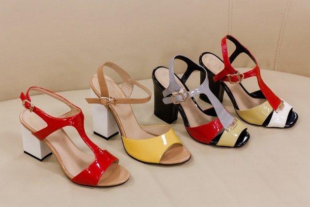 5a2d1a992 Магазин женской обуви Avantage начал распродажу летних босоножек, туфель и  другой обуви со скидками до 50%, сообщил корреспонденту ИА «Чита.Ру» 12  июля ...