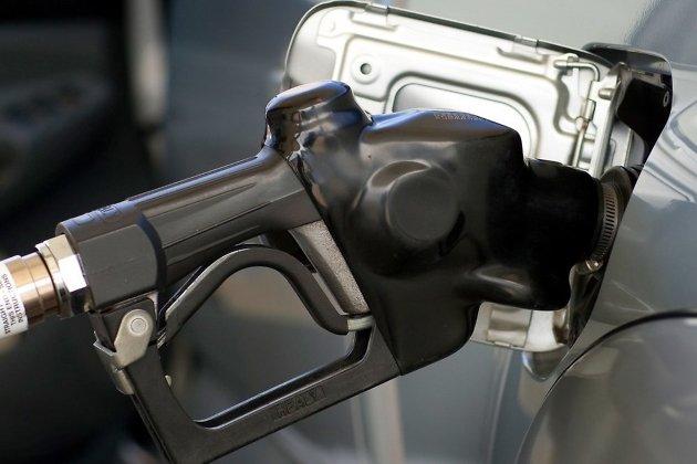 Иркутск стал вторым подороговизне бензина вСибири