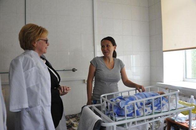 Министр здравоохранения России Вероника Скворцова (слева)