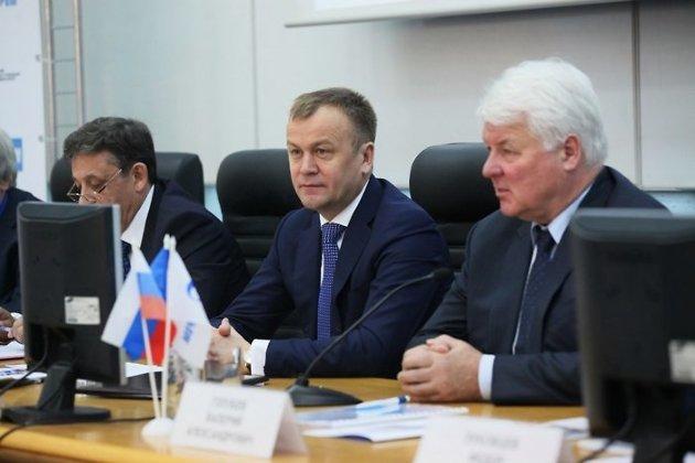 Губернатор Иркутской области С.Ерощенко и зампредседателя правления ОАО