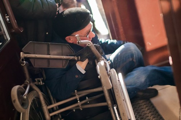 Упавший с коляски Мартынов