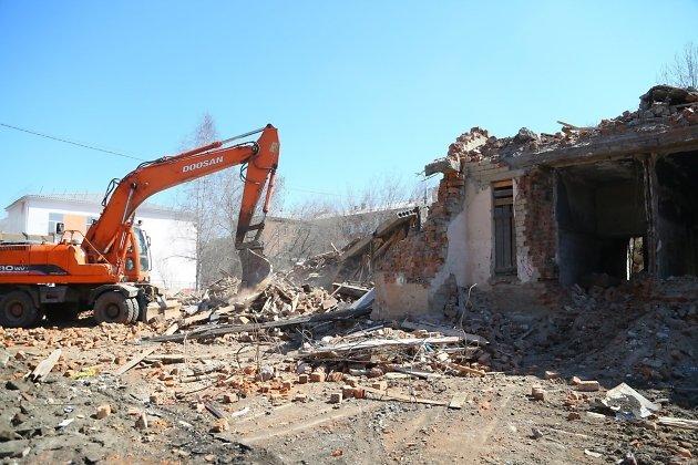 Снос здания старой больницы в Шелехове, где начнётся строительство