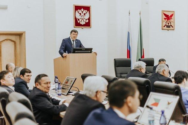Игорь Лиханов («Единая Россия»), спикер Законодательного собрания