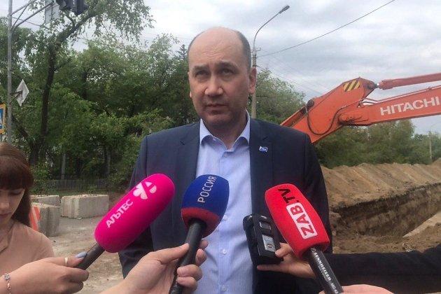 Пресс-подход генерального директора ТГК-14 Алексея Лизунова на участках ремонта теплосети в Чите