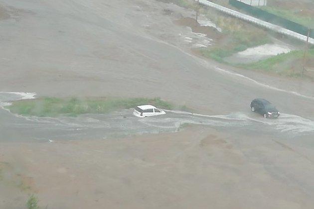 Затонувший у микрорайона Октябрьский автомобиль в Чите