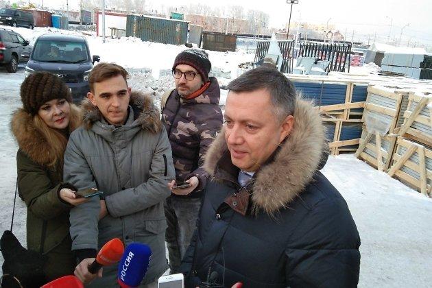 Игорь Кобзев во время пресс-подхода