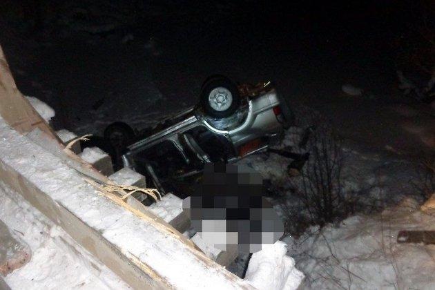 ВТайшетском районе вседорожный автомобиль вылетел вреку смоста: двое погибли