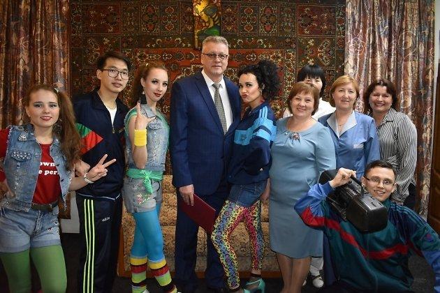 В центре - главврач Забайкальской краевой клинической больницы Виктор Шальнёв