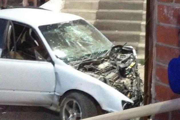ВИркутской области таран магазина привел к смерти пассажира