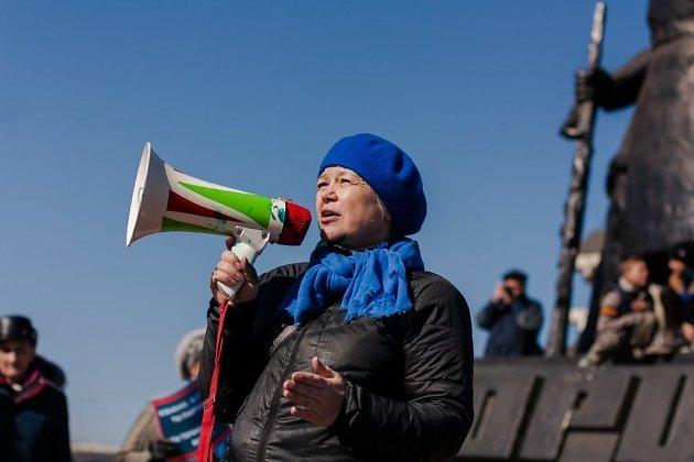Марина Савватеева на митинге