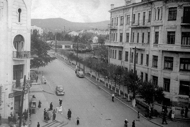 Вид на Горсад от ул. Амурской