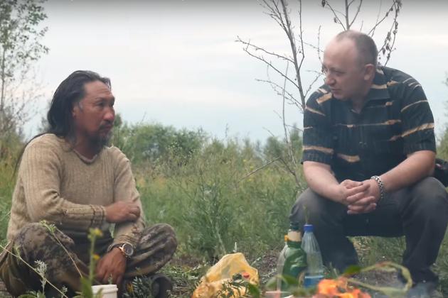 Воин-шаман Александр Габышев и читинский путешественник Андрей Дехтярук во время привала