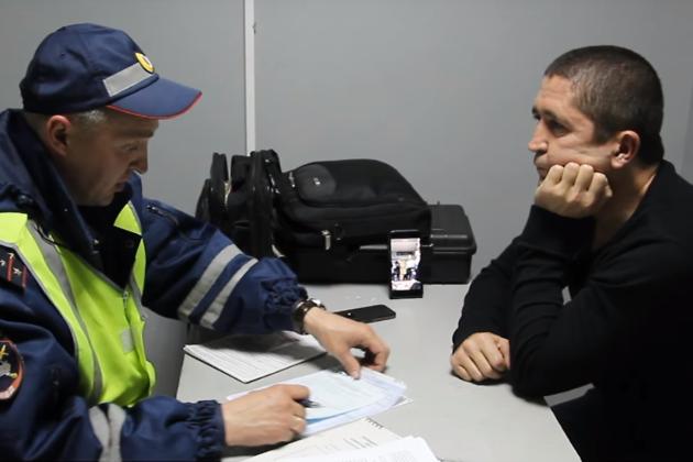 Полиция оформляет Щебенькова-старшего, 2015 год