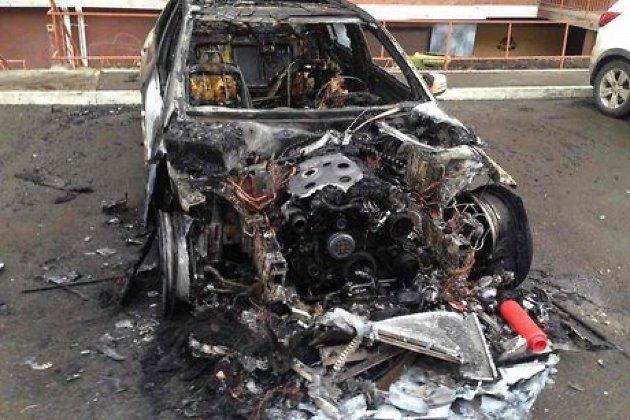 Benz, Тоёта  Vitz и Ниссан  сгорели вмикрорайоне Первомайском вИркутске