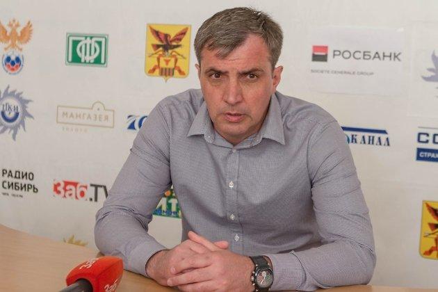 Главный тренер ФК Чита Константин Дзуцев