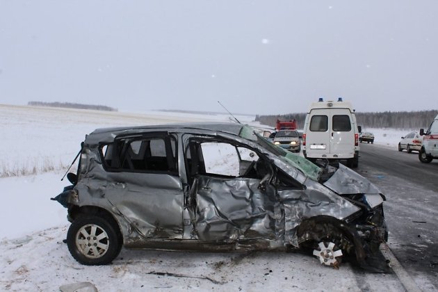 ВДТП под Тулуном умер шофёр итяжелые травмы получили три подростка