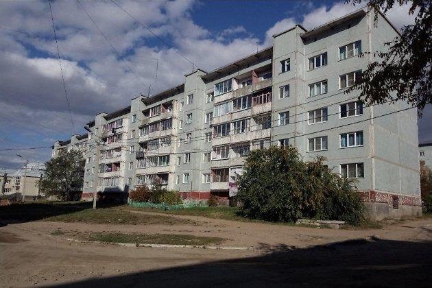 Двор дома №40 в микрорайоне Северном