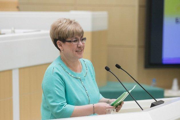 Наталья Жданова выступает в Совете Федерации