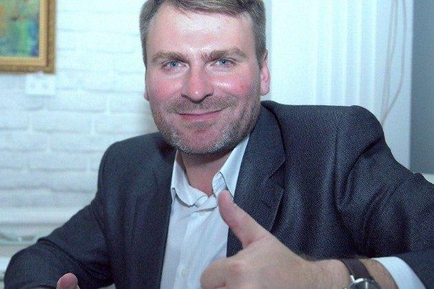 Анатолий Анатольевич Гриценко, программный директор и радиоведущий в холдинге
