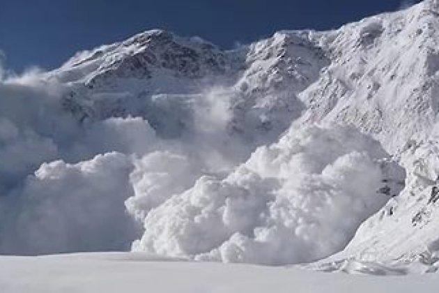 Группу туристов в Бурятии накрыла лавина