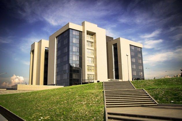 Ремонт аварийной подпорной стены библиотеки Молчанова-Сибирского Иркутска кончится всередине лета