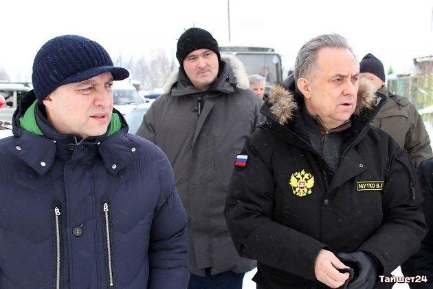 Игорь Кобзев, Руслан Болотов и Виталий Мутко во время визита бывшего вице-премьера в Иркутскую область