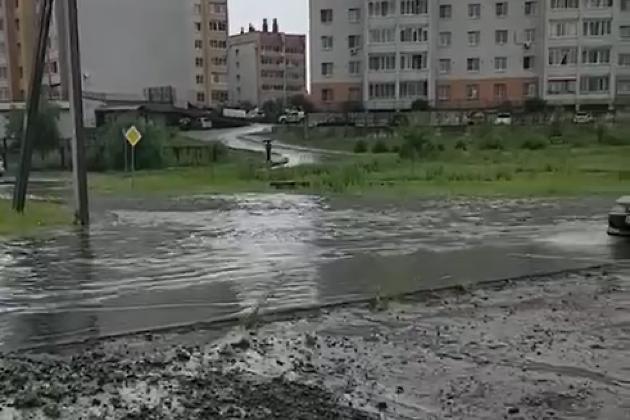 Октябрьский в дождь 12 июля