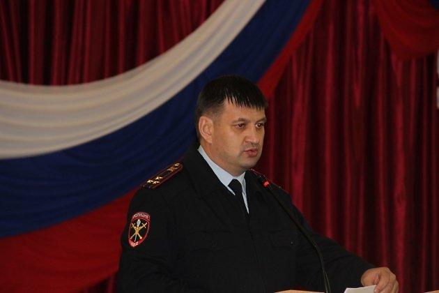 Начальник полиции Читы Равиль Матыгулин на встрече с жителями мкр Северный