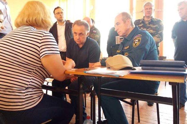 Виталий Мутко и Сергей Левченко в Тулуне после наводнения в августе 2019 года