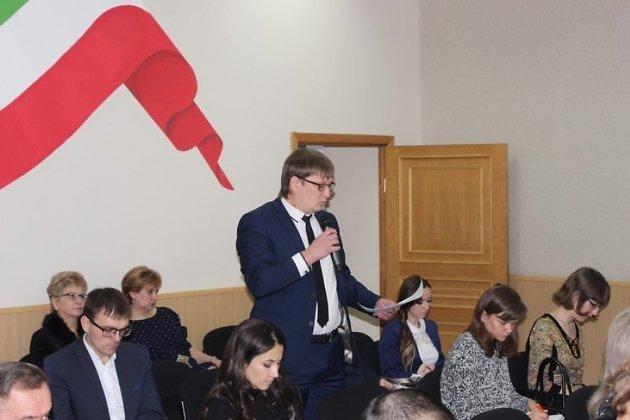 Станислав Фалейчик (в центре)