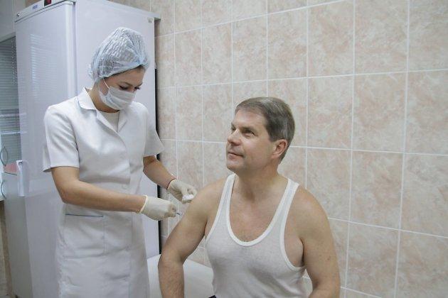 министр здравоохранения Иркутской области Олег Ярошенко