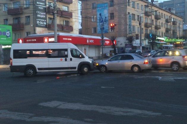 ДТП на перекрёстке Бабушкина - Бутина в Чите