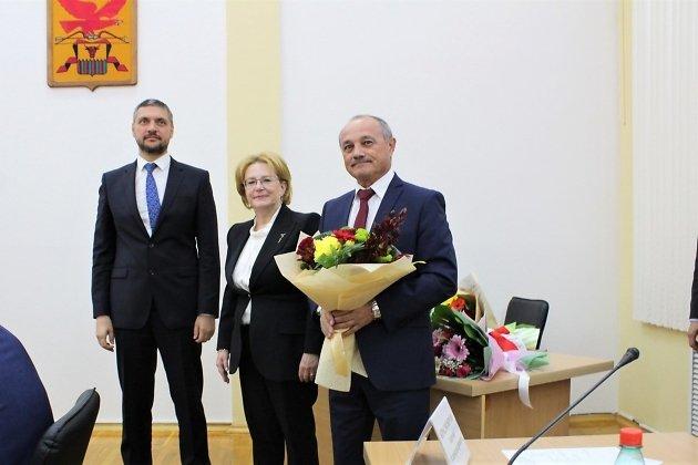 Министр Скворцова вручила награды читинским врачам