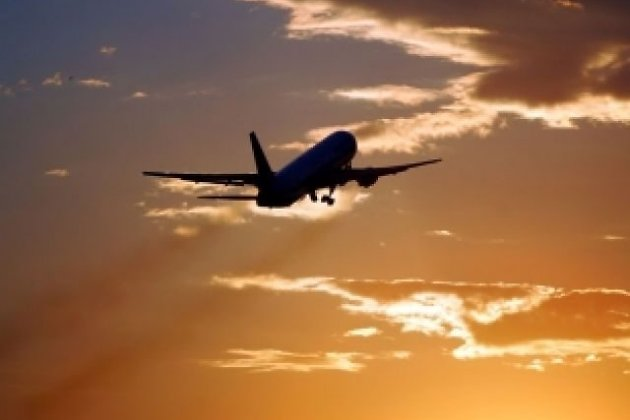 Новая авиакомпания спарком изкомсомольских SSJ-100 появится в Российской Федерации