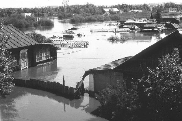 Наводнение 1991 года в Чите, Кузнечные ряды, вид на мемориал.