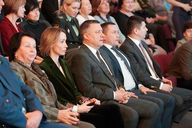 Игорь Кобзев и Дмитрий Бердников в зале перед отчётом
