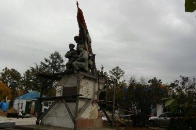 Монумент Борцам революции вИркутске готовят к реконструкции