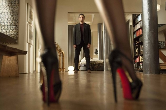 смотреть видео секс за деньги в кинотеатре