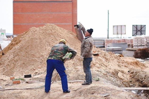 Китайские специалисты на стройке в Чите