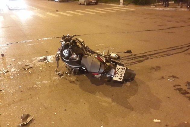 Авария на перекрёстке улиц Ленина и Полины Осипенко в Чите