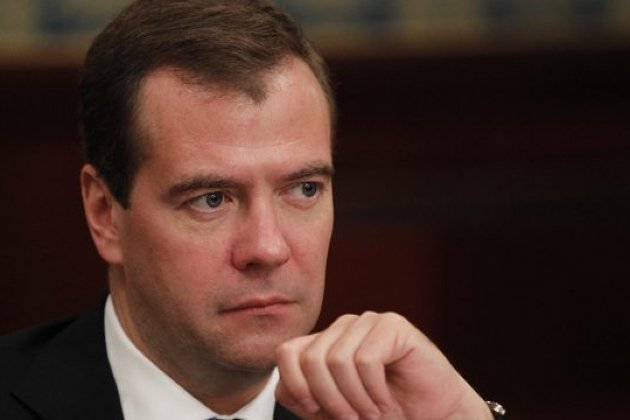 Медведев согласился намесяц остановить реализацию непищевой спиртосодержащей продукции